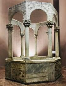 Battistero ottagonale de Callisto im Museo cristiano e tesoro del duomo