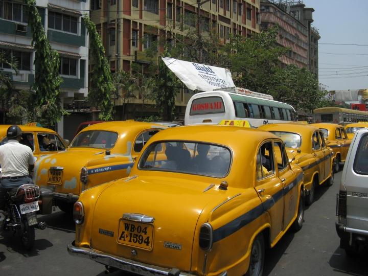 Ambassador_taxi_(7169354693)